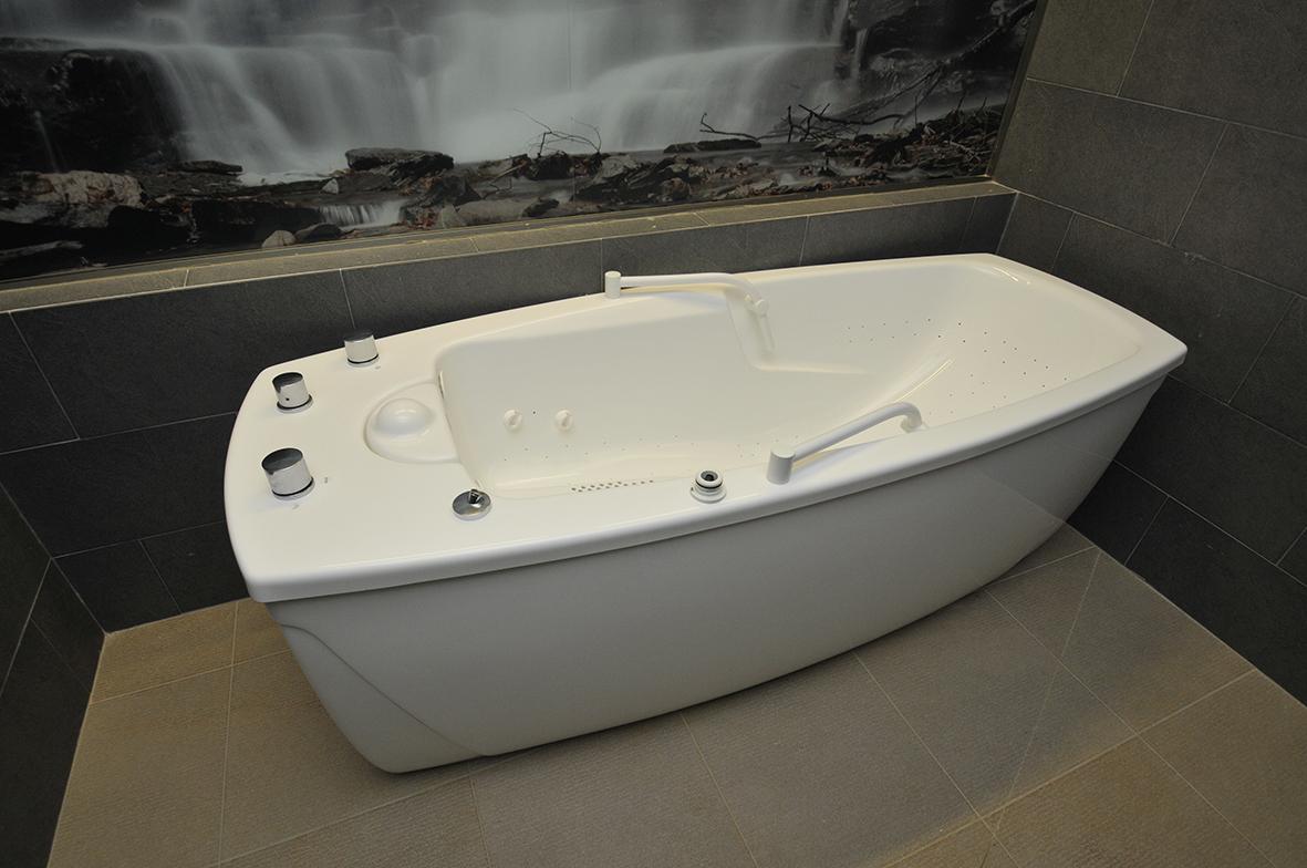 Bañera de hidromasaje de la zona spa de la Residencia Spa de Felechosa